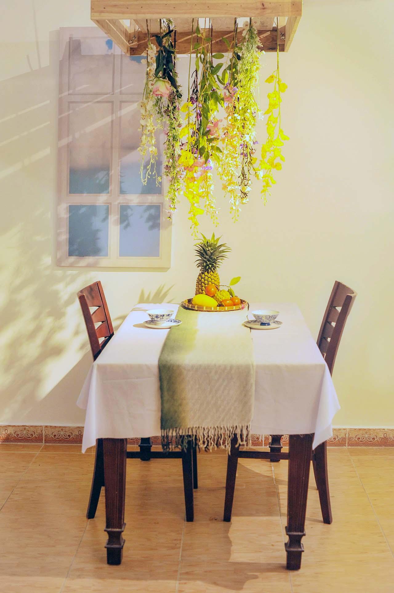 02 kitchenyellowSM.jpg