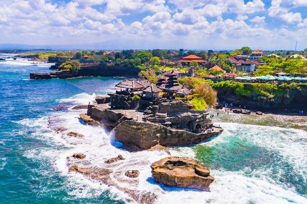 1_Tanah-Lot-Temple-in-the-Ocean-Bali-Indonesia.jpg