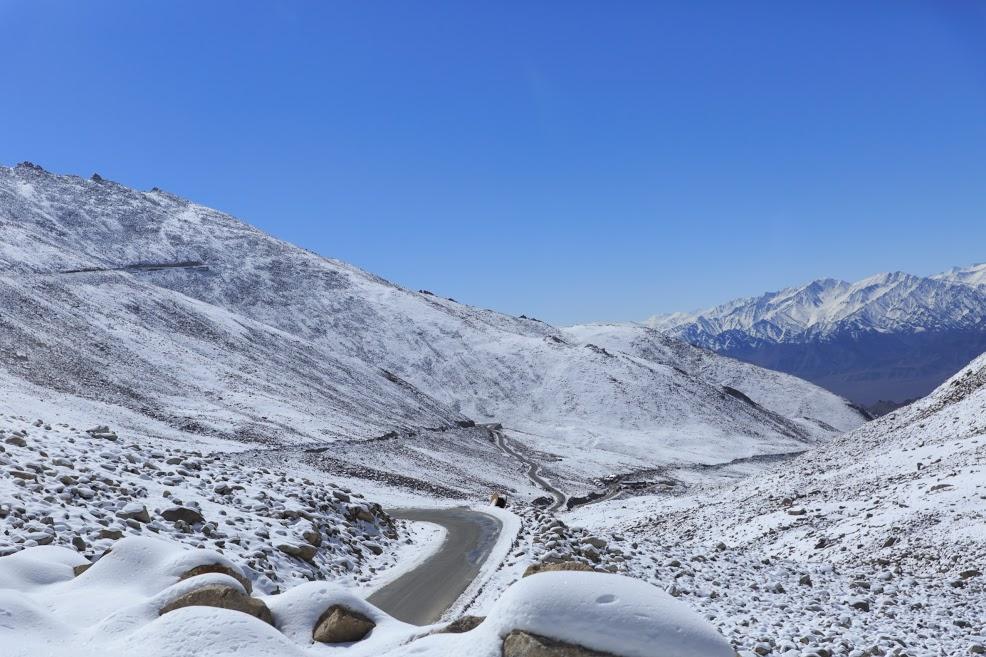 7. Khardung La Pass.jpg
