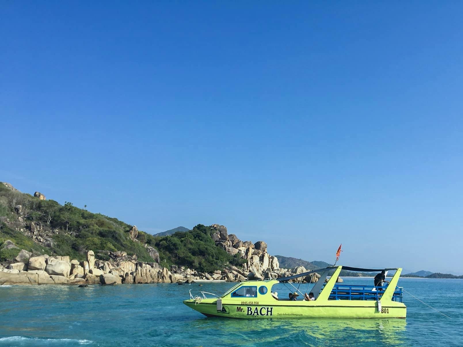 Tour Bạch Đảo Bình Hưng