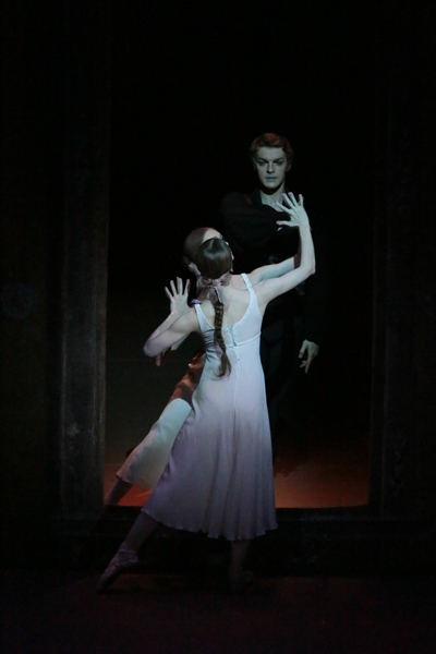 Act 2 Tattiana and Onegin.jpg