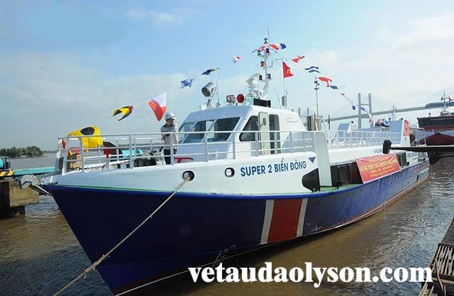 Tàu super biển đông 2